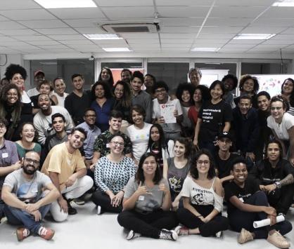 """Cia Corpos Outros, da Rede de Coletivos Usina dos Atos, conquista o  edital """"Chama Na Solução"""" 2020."""