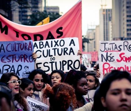 Dia 10 de outubro - todos juntos contra a violência à mulher