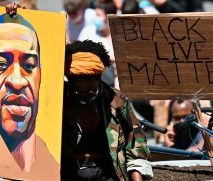 Homicídios de negros sobem 11,% em onze anos, enquanto de outros grupos cai 12,9%